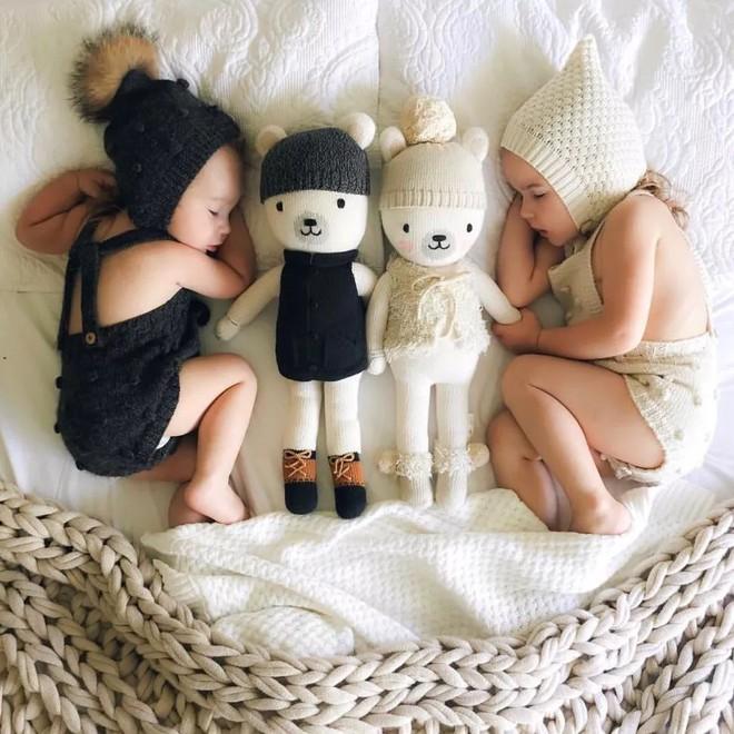 Có một bà mẹ chỉ chụp ảnh con ngủ mà cũng gây sốt đến thế - Ảnh 9.