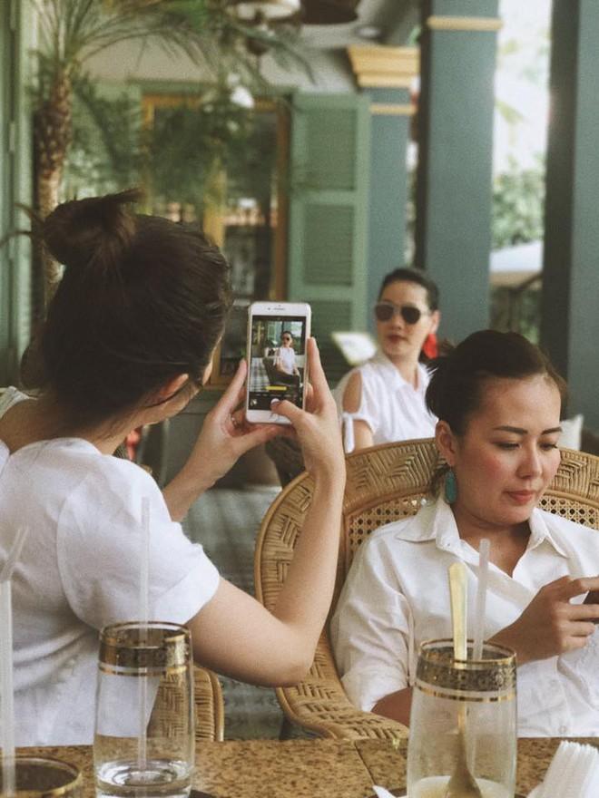 Tăng Thanh Hà vui vẻ gặp gỡ hội bạn thân trước thềm Tết Nguyên đán  - Ảnh 5.