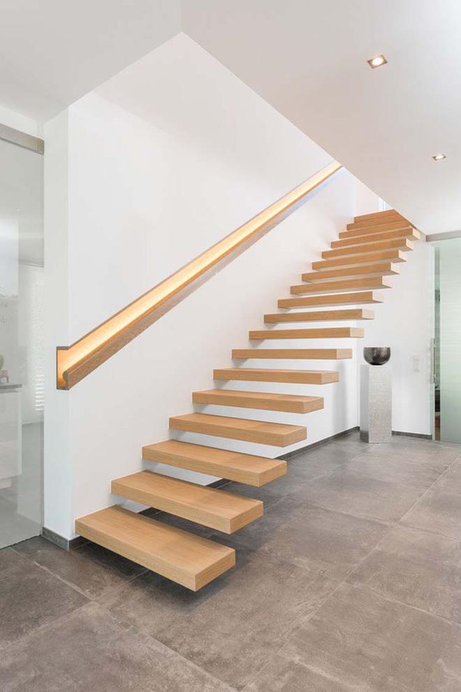 Nếu bạn nghĩ đơn giản sẽ khó tạo ấn tượng thì phải nhìn ngay những mẫu cầu thang này - Ảnh 7.