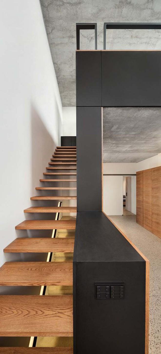 Nếu bạn nghĩ đơn giản sẽ khó tạo ấn tượng thì phải nhìn ngay những mẫu cầu thang này - Ảnh 16.