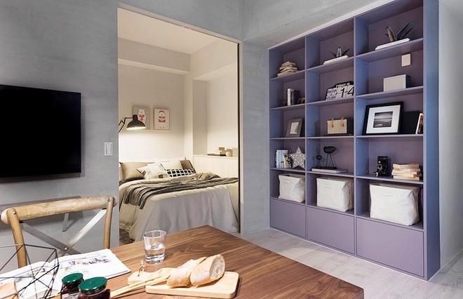 Căn hộ màu xám với thiết kế cửa trượt thông minh tạo nên không gian hạnh phúc của hai cô gái trẻ - Ảnh 8.