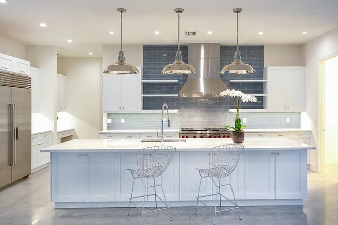 Thiết kế nhà bếp theo những xu hướng này đến thời con cháu vẫn chẳng lo lỗi thời - Ảnh 2.