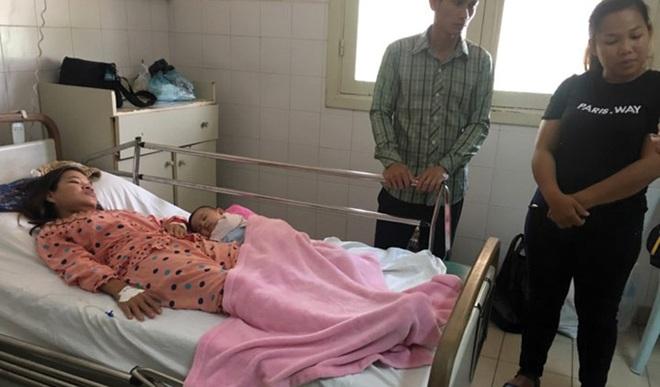 Bị đau bụng sau khi sinh mãi không khỏi, bà mẹ đi khám hốt hoảng nhận ra bác sĩ để quên thứ này trong bụng - Ảnh 3.