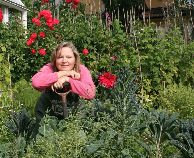 Khu vườn bạt ngàn rau quả sạch của người phụ nữ bắt đầu làm vườn từ năm 10 tuổi - Ảnh 2.
