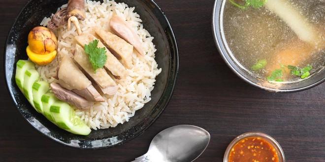 7 món ăn giá bình dân những ngon xuất sắc nên nếm khi đến Singapore - Ảnh 1.