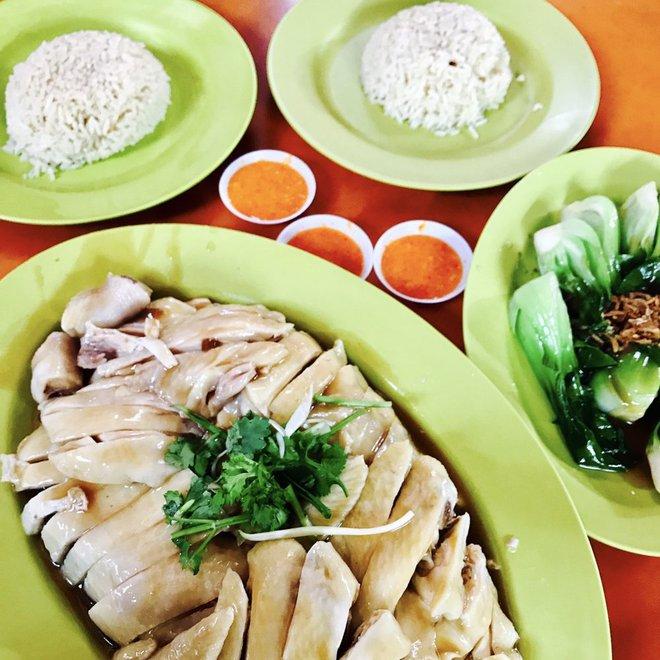 7 món ăn giá bình dân những ngon xuất sắc nên nếm khi đến Singapore - Ảnh 2.
