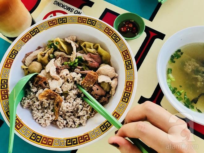7 món ăn giá bình dân những ngon xuất sắc nên nếm khi đến Singapore - Ảnh 9.