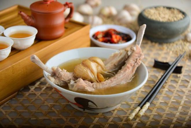 7 món ăn giá bình dân những ngon xuất sắc nên nếm khi đến Singapore - Ảnh 14.