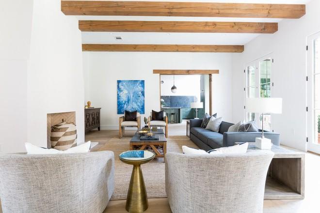 Lịm tim với những căn phòng khách kết hợp hài hòa giữa truyền thống và hiện đại - Ảnh 5.