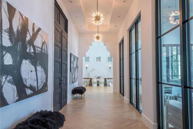 Vẫn chưa là quá muộn để tạo ấn tượng với khách đến nhà ngay từ hành lang - Ảnh 2.
