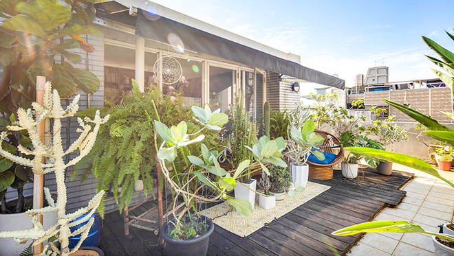 Căn hộ trên tầng áp mái với khu vườn xanh mát màu thiên nhiên của giám đốc văn phòng - Ảnh 3.