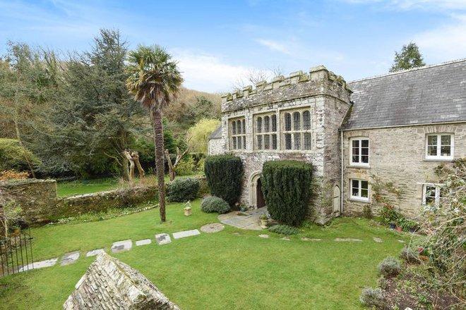 Chiêm ngưỡng ngôi nhà cổ duyên dáng nhất trong lịch sử ở Cornwall - khu du lịch nổi tiếng của nước Anh - Ảnh 2.