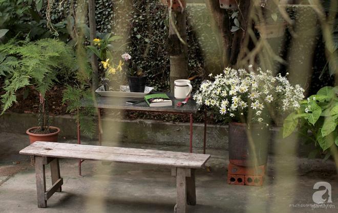 Ngôi nhà phố góc nào cũng xinh xắn và lãng mạn với hoa tươi của người phụ nữ Hà Thành - Ảnh 7.