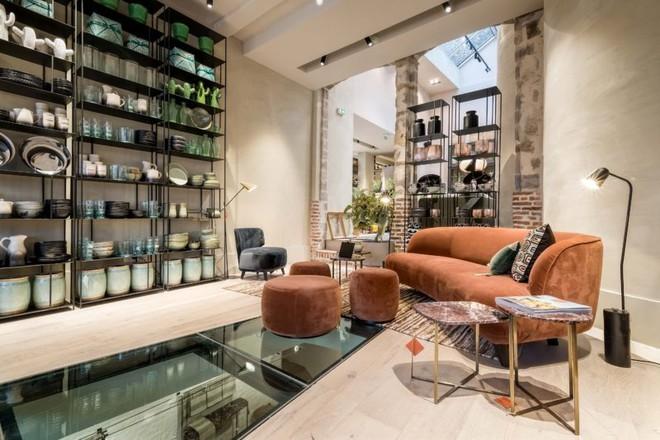 Khám phá vẻ đẹp đậm chất Địa Trung Hải trong căn hộ rộng tới 285m² - Ảnh 2.
