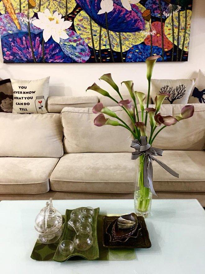 Không gian sống đẹp kiêu sa khi được trang trí với loài hoa rum đỏng đảnh - Ảnh 7.
