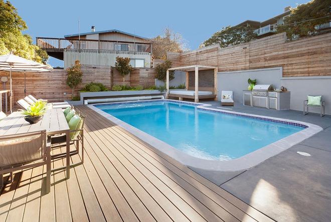 Những ngôi nhà sở hữu bể bơi ngoài trời đẹp đến lịm tim - Ảnh 2.