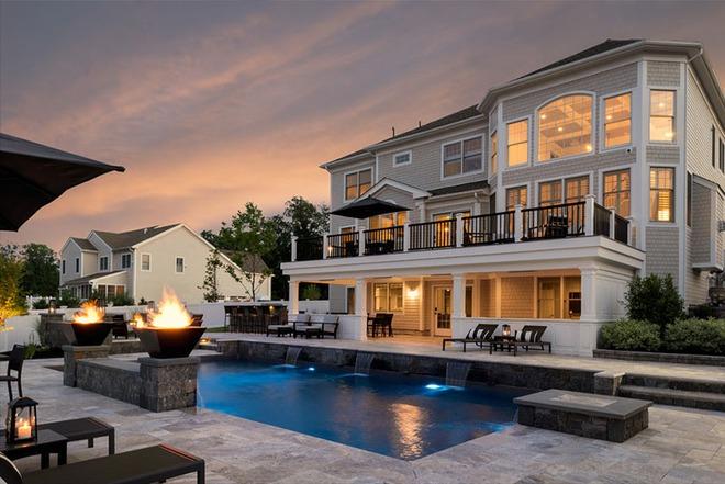 Những ngôi nhà sở hữu bể bơi ngoài trời đẹp đến lịm tim - Ảnh 6.