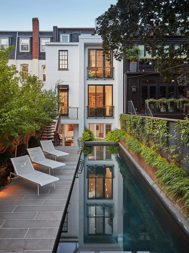Những ngôi nhà sở hữu bể bơi ngoài trời đẹp đến lịm tim - Ảnh 16.