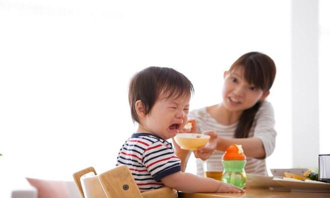 Trị con biếng ăn dễ dàng bằng 10 mẹo đã được các mẹ áp dụng hiệu quả - Ảnh 1.