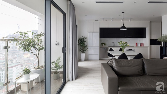 Căn hộ đen trắng 100m² đẹp như nhà trên báo nước ngoài với tổng chi phí 850 triệu đồng ở Thanh Xuân, Hà Nội - Ảnh 2.