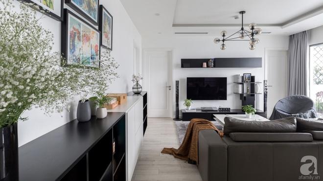 Căn hộ đen trắng 100m² đẹp như nhà trên báo nước ngoài với tổng chi phí 850 triệu đồng ở Thanh Xuân, Hà Nội - Ảnh 3.