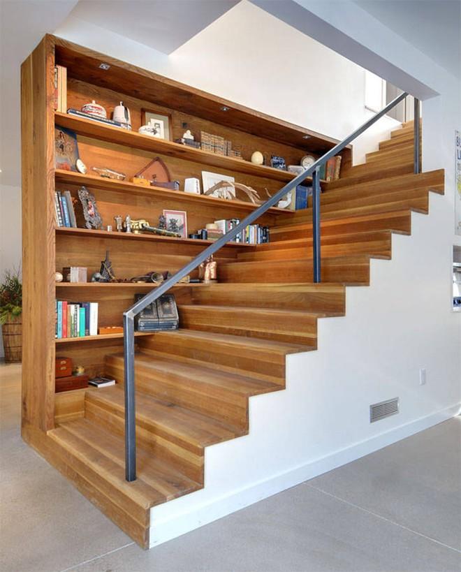 Những thiết kế tích hợp kệ sách với cầu thang vô cùng độc đáo - Ảnh 4.