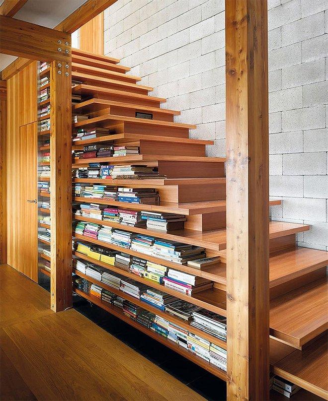 Những thiết kế tích hợp kệ sách với cầu thang vô cùng độc đáo - Ảnh 5.