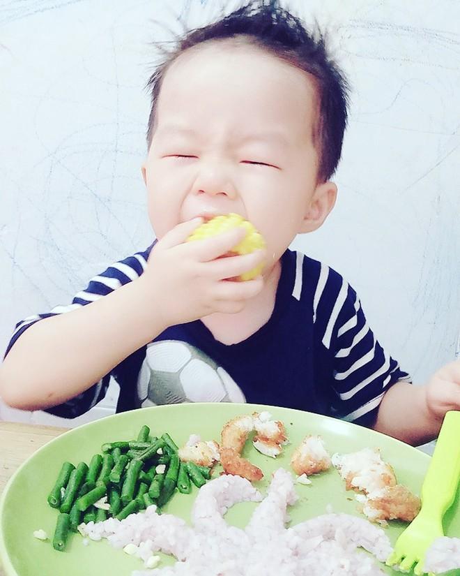 Mẹ đảm chia sẻ cách tạo ra thiên đường thức ăn cho con trai 2 tuổi chỉ với ít phút mỗi ngày - Ảnh 5.