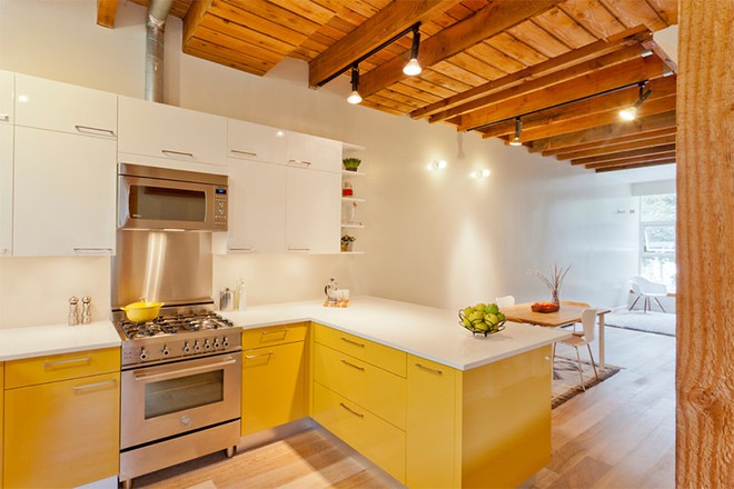 Vàng – gam màu cứu rỗi những căn bếp không có sự xuất hiện của ánh sáng tự nhiên - Ảnh 3.