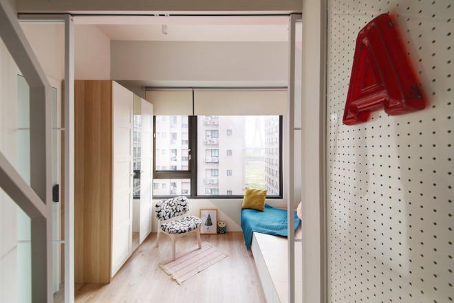 Tân trang lại căn hộ nhỏ chưa đầy 50m², điều tuyệt vời đã xảy ra với cả gia đình - Ảnh 7.