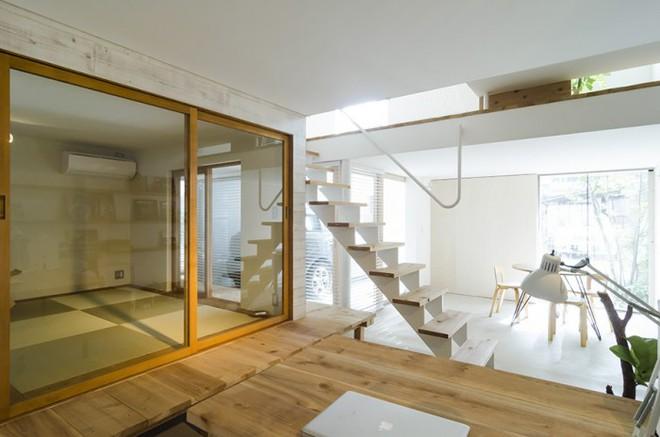 Ngôi nhà phố 43m² đẹp thanh bình với sân vườn xanh mát cây cỏ của gia đình trẻ ở ngay thủ đô Tokyo, Nhật Bản - Ảnh 5.