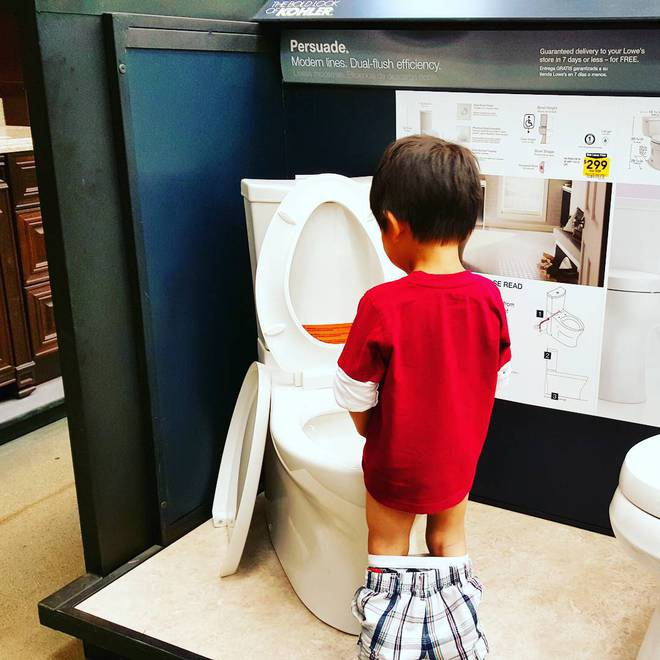 """Tổng hợp những khoảnh khắc """"mắc lỗi"""" hài hước không đỡ nổi của bố mẹ khi trông con - Ảnh 5."""