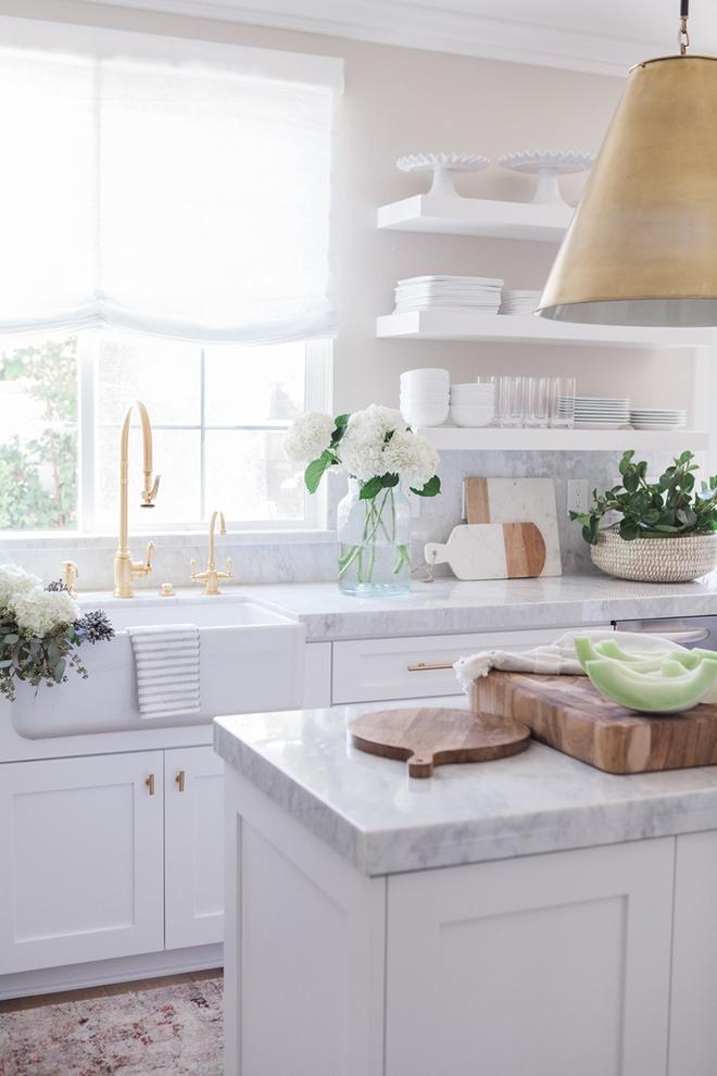 Giữa muôn vàn chất liệu khác nhau thì đá cẩm thạch vẫn luôn là lựa chọn hàng đầu cho mặt bàn bếp - Ảnh 3.