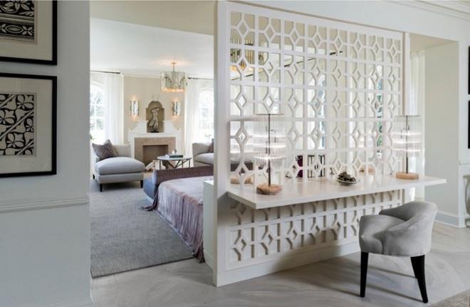Sử dụng vách ngăn bằng đồ nội thất hoặc đồ trang trí đang là xu hướng mới để tạo không gian mở cho ngôi nhà - Ảnh 9.