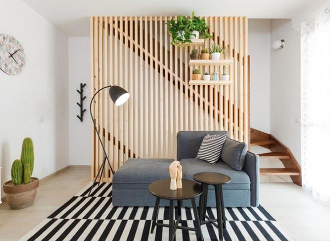 Sử dụng vách ngăn bằng đồ nội thất hoặc đồ trang trí đang là xu hướng mới để tạo không gian mở cho ngôi nhà - Ảnh 14.