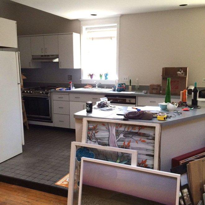 Người đàn ông cải tạo lại nhà bếp với màu xanh theo phong cách retro và cái kết khiến ai cũng bất ngờ - Ảnh 1.
