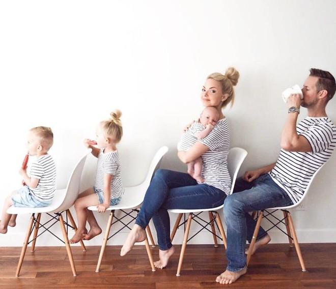 Bà mẹ 3 con gây sốt khi khoe bộ sưu tập ảnh gia đình có một không hai - Ảnh 17.