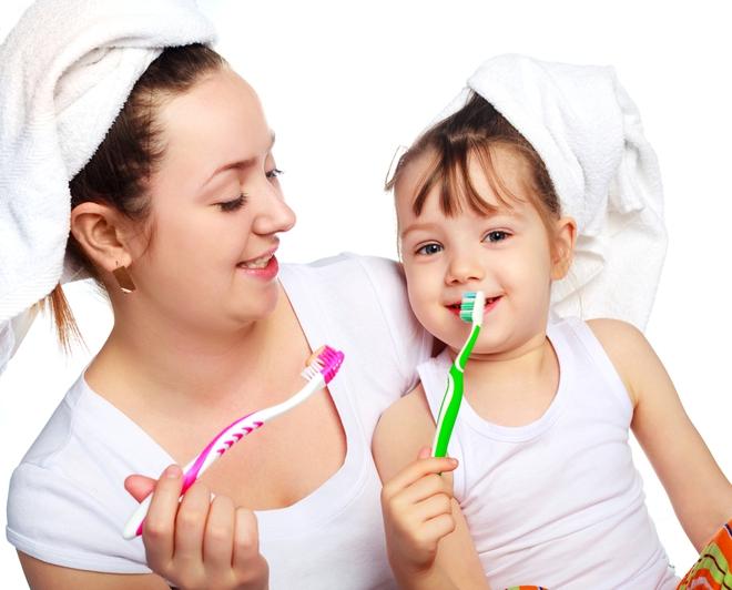 Giáo viên Montessori mách bố mẹ 5 nguyên tắc dạy con giúp trẻ tự giác đi vào nề nếp dễ dàng - Ảnh 2.