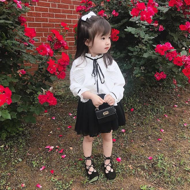 Gặp gỡ bé gái Việt mặc đẹp như fashionista khiến các mẹ trầm trồ không ngớt - Ảnh 3.