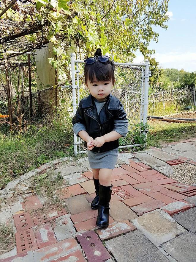 Gặp gỡ bé gái Việt mặc đẹp như fashionista khiến các mẹ trầm trồ không ngớt - Ảnh 15.