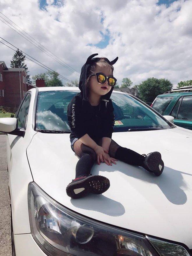 Gặp gỡ bé gái Việt mặc đẹp như fashionista khiến các mẹ trầm trồ không ngớt - Ảnh 22.