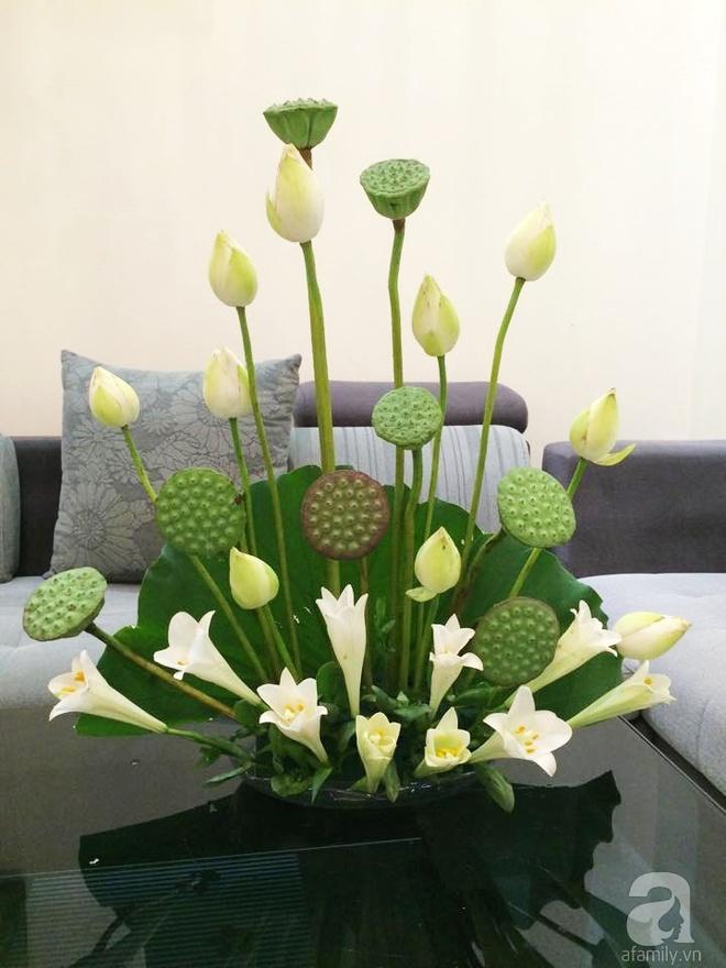 Mê mẩn ngắm những bình hoa sen đẹp tinh tế của người phụ nữ dịu dàng đất Hà Thành - Ảnh 12.