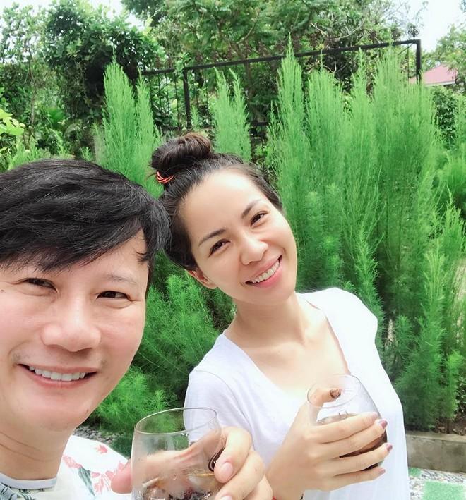 Soi nhất cử nhất động của sao Việt (8/6) - Ảnh 10.