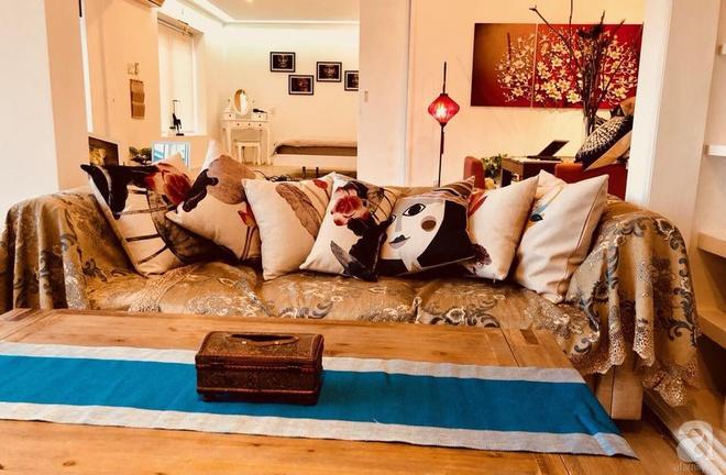Ở giữa Quận 1 Sài Gòn có căn hộ mang phong cách vintage cực ấm cúng của cặp đôi vợ Việt chồng Tây - Ảnh 4.