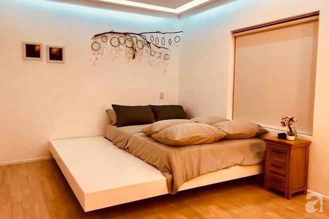 Ở giữa Quận 1 Sài Gòn có căn hộ mang phong cách vintage cực ấm cúng của cặp đôi vợ Việt chồng Tây - Ảnh 17.