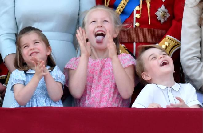 Cách công nương Kate dỗ con nín khóc trước chỗ đông người được khen hết lời - Ảnh 6.