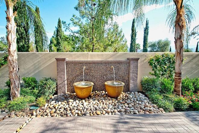 Với điểm nhấn này trong thiết kế sân vườn, cả ngôi nhà của bạn bỗng hóa thành ngôi nhà cổ tích trong chớp mắt - Ảnh 1.
