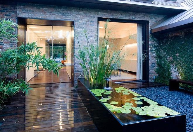 Với điểm nhấn này trong thiết kế sân vườn, cả ngôi nhà của bạn bỗng hóa thành ngôi nhà cổ tích trong chớp mắt - Ảnh 2.