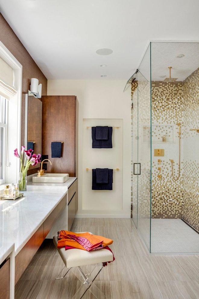Chẳng cần biết diện tích lớn bé ra sao nhưng phòng tắm nhà ai cũng phải có món đồ này - Ảnh 12.