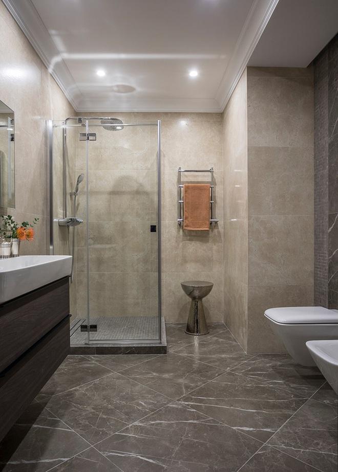 Chẳng cần biết diện tích lớn bé ra sao nhưng phòng tắm nhà ai cũng phải có món đồ này - Ảnh 13.